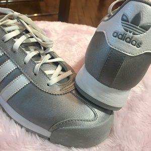Silver Adidas Samoa Sz 7